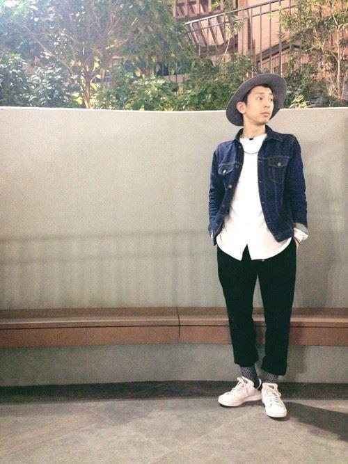 グラミチ黒パンツとシャツオンGジャンのコーディネート