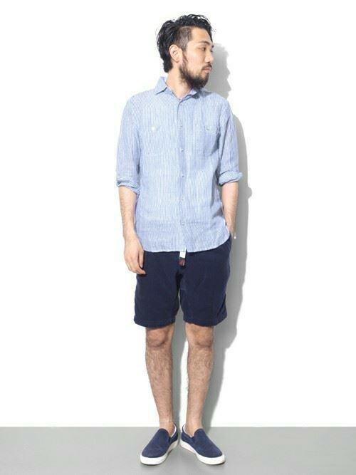 Gramicciショーツとリネンワークシャツのメンズコーディネート