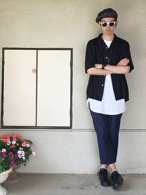 流行のロング丈Tシャツ・タンクトップを着こなした春夏メンズコーディネート画像4