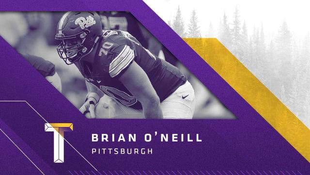 Tackle Brian O'Neill, Pittsburgh, escolha do Vikings