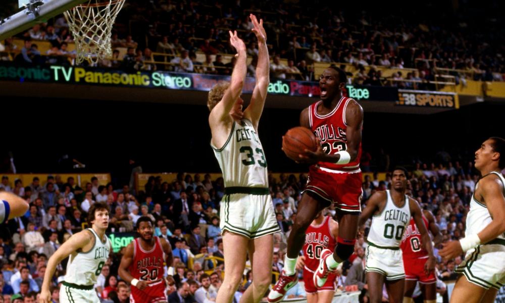 Dando sequência a série de 'Jogos Históricos da NBA', hoje iremos falar do dia em que um único homem fez um verdadeiro inferno na vida do Boston Celtics.