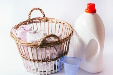 洗濯物の生乾き臭に使う洗剤は何がいい?部屋干しのポイントは?