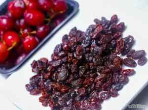 Make your own raisins