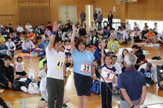 深海大、理里、羽咲さん家族が選手宣誓