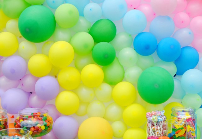 How to Make a Backdrop with Balloons