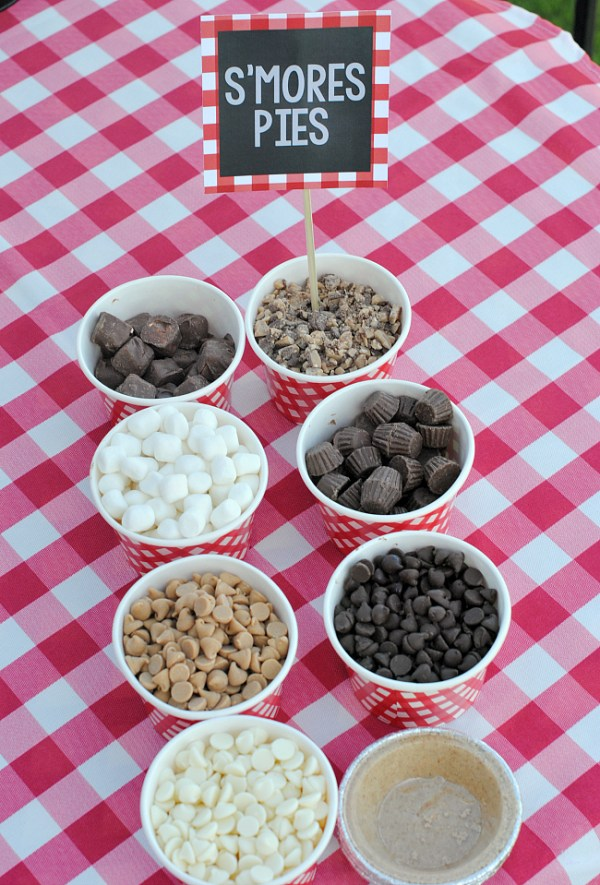 Build Your Own S'mores Pie Bar