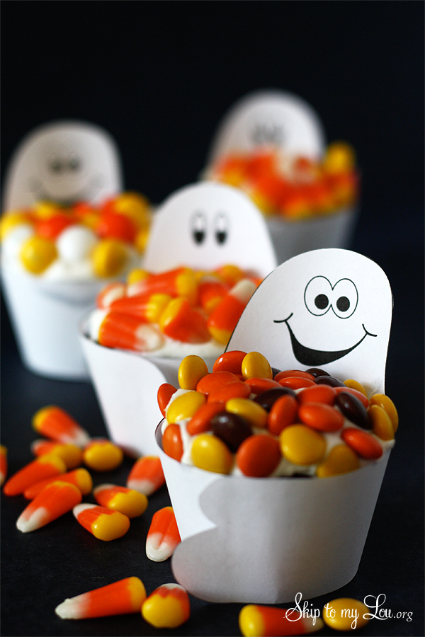 candy-loving-ghost-cupcake-wrappers