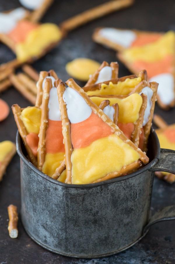 candy-corn-pretzels-4