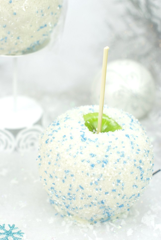 Holiday Snowball Caramel Apples