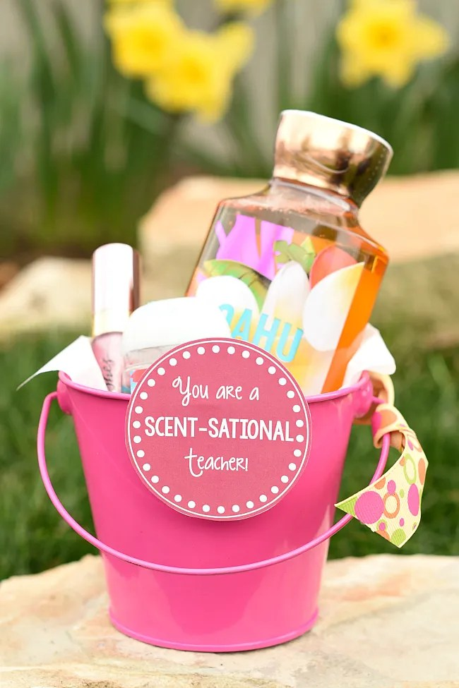 Teacher Appreciation Gift Idea-Add this cute You are a Scent-sational Teacher tag to your teacher's favorite bath and body products and you have an easy and cute teacher gift! #teacherappreciation #teachergifts