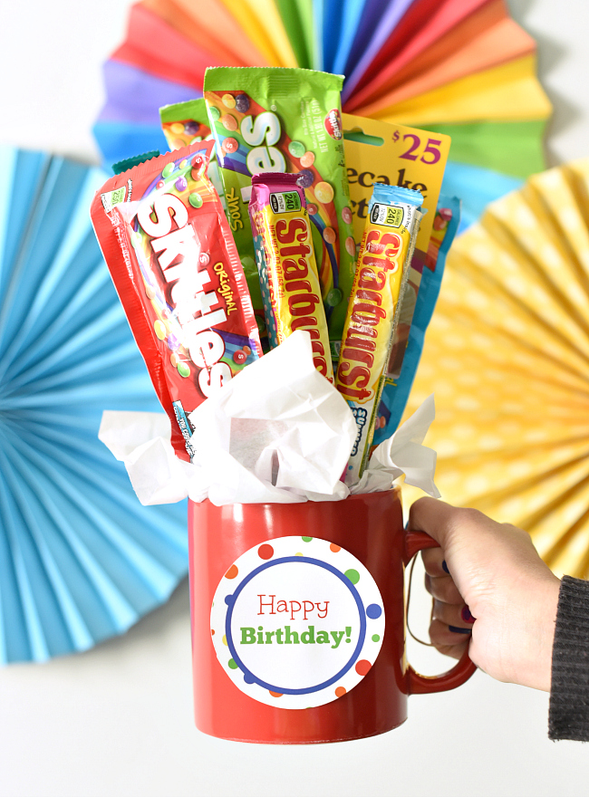 Put It All Together And Youve Got A Great Fun Easy Birthday Gift Idea Candy Bar Bouquet