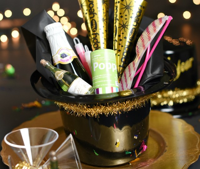 Simple New Years Eve Party Favors