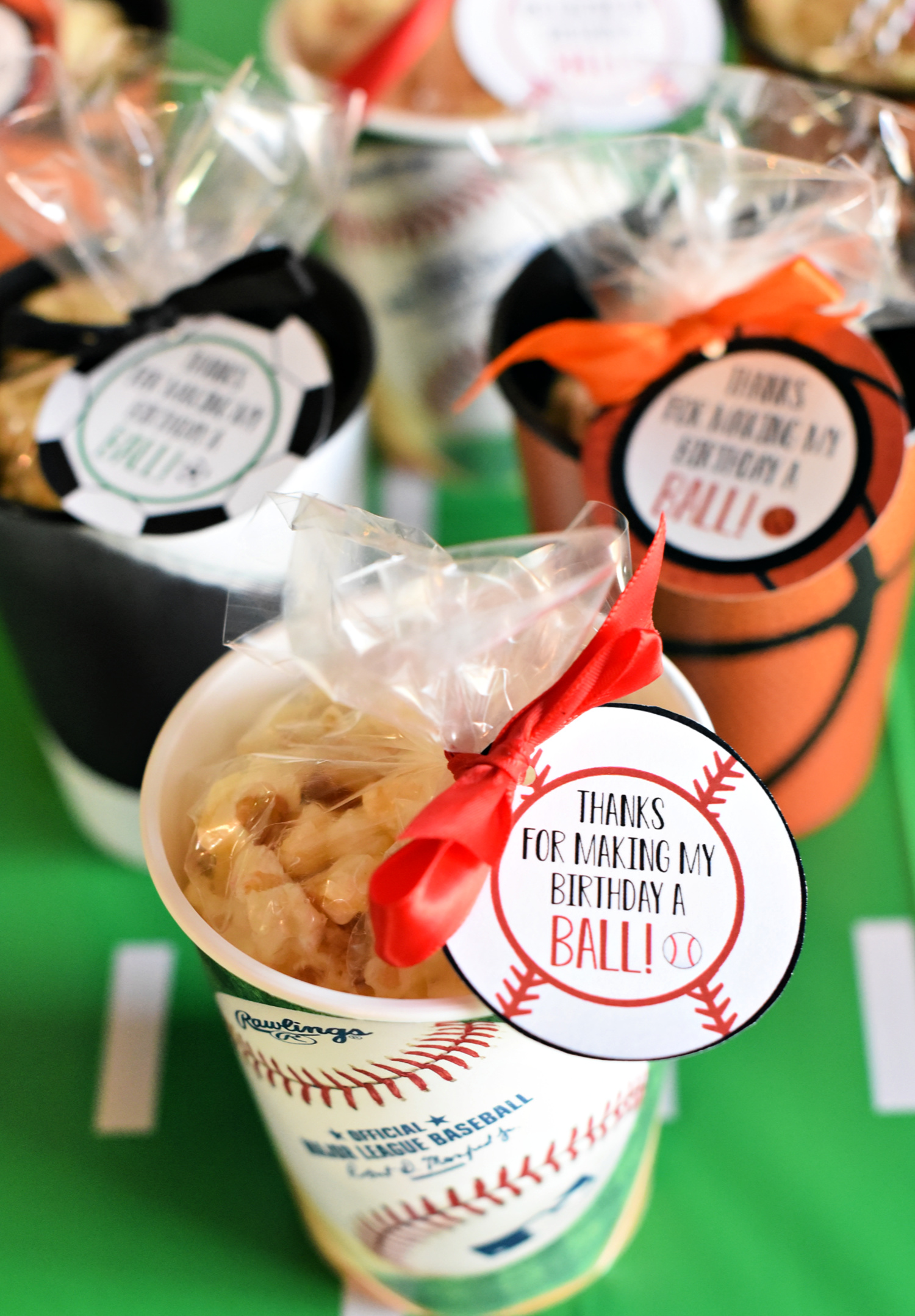 Sports Themed Party Favors for any sports birthday party. Basketball, soccer, baseball-these cute party favor tags.