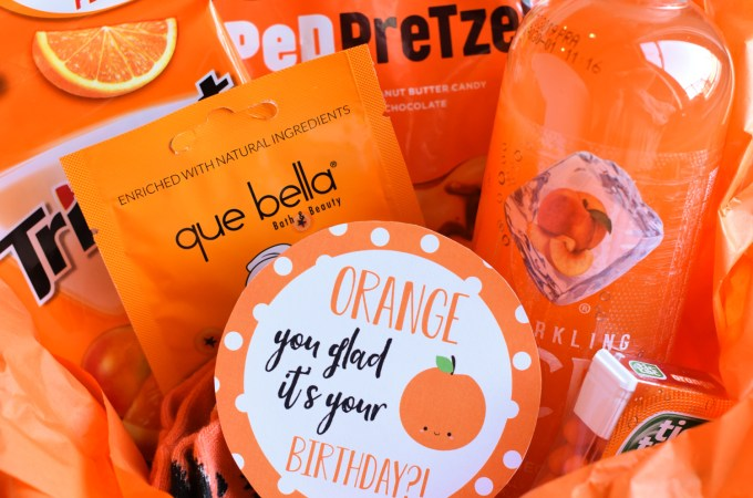 Orange Gift Idea for Birthdays-Fill a gift basket with anything orange, then add this cute free printable tag and you've got a great gift for a friend's birthday! #birthday #gifts #giftideas #birthdaygifts