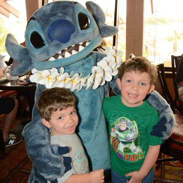 O'hana Character Breakfast - Fun and Frosted