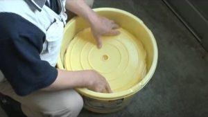 重石を乗せる為に、内蓋を敷く