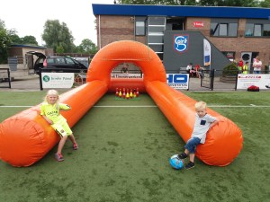 voetbal bowling attractie