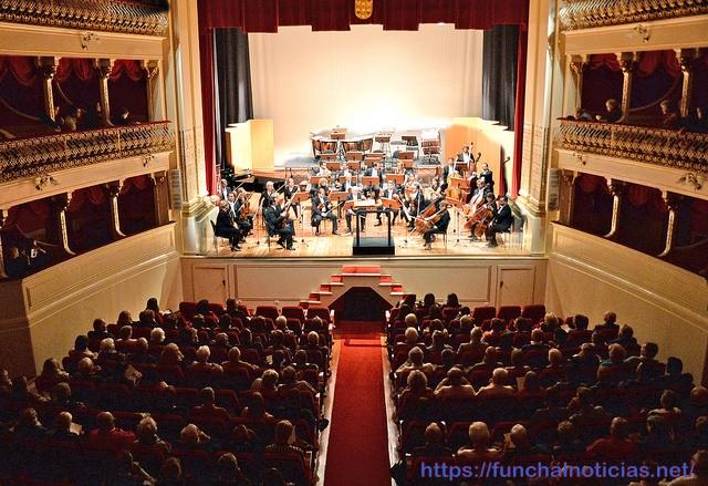 orquestra clássica madeira