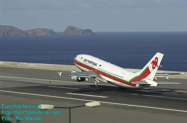 Governo Regional garante que passagens a custos controlados levantam voo em setembro.