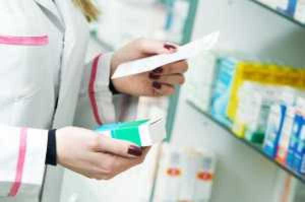 farmaceutica_farmacia_ss_1