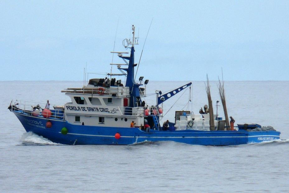 8d1a0dcb13 O Subcentro de Busca e Salvamento Marítimo do Funchal (MRSC Funchal), em  articulação com a Capitania do Porto do Funchal, coordenou esta madrugada a  ...