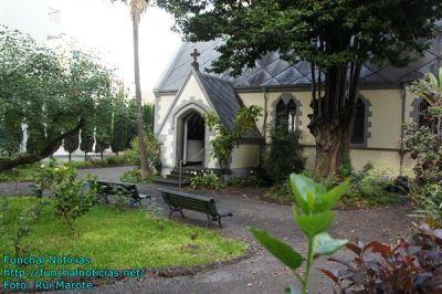 ruas tipicas e igrejas 012