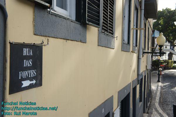 ruas tipicas e igrejas 017