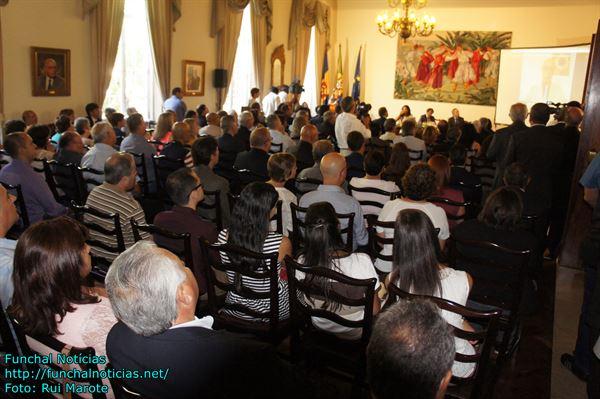 A internet possibilitou a ligação da Madeira ao mundo. Em tempo real, foram muitos os participantes que deixaram o seu contributo neste I Encontro das Comunidades.