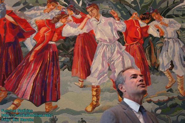 """Sérgio Marques apresentou sozinho as conclusões. Resta saber se """"vai dar baile"""" aos seus antecessores em matéria de emigração."""