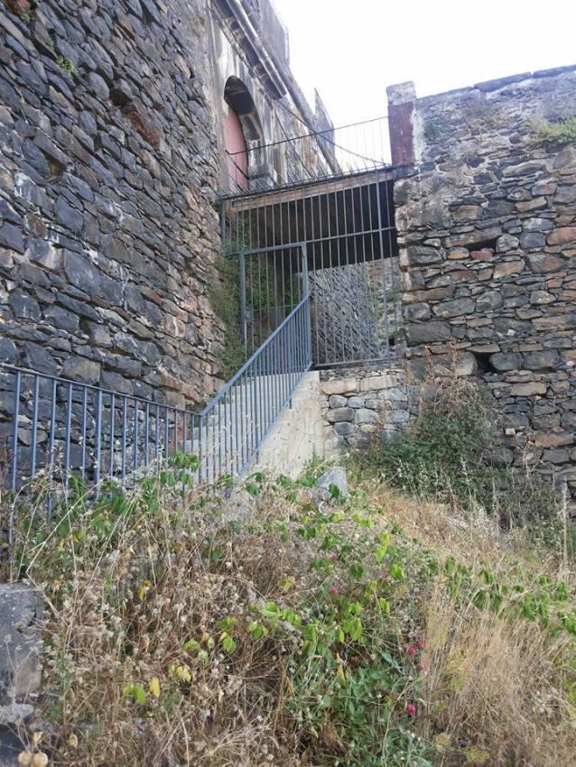 Fortaleza do Pico escadas traseiras 2.1