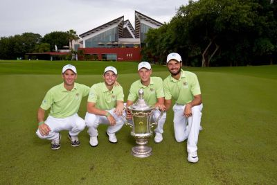 Australian World Amateur Team members: Matt Cutler (captain), (left), Harrison Endycott, (left), Cameron Davis and Curtis Luck with the trophy at the 18th green, at the conclusion of the fourth round of the 2016 Eisenhower Trophy at El Camaleon G.C. in Riviera Maya, on Saturday, Sept. 24, 2016.  (Copyright USGA/Steven Gibbons)