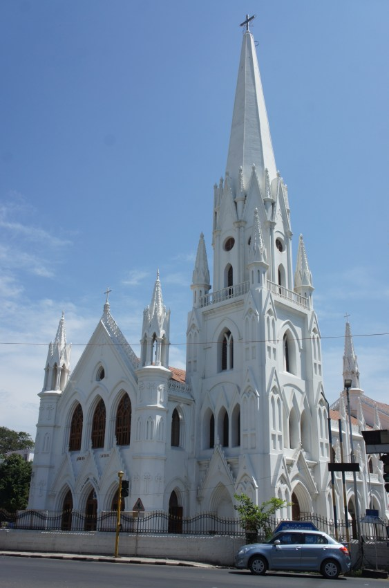 Exterior da basílica de São Tomé