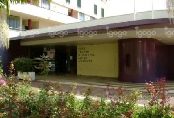 cine-teatro-municipal-de-santo-antonio