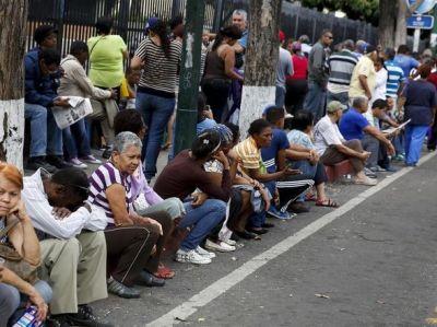 Foto: Filas para adquirir produtos em Supermercados- Venezuela