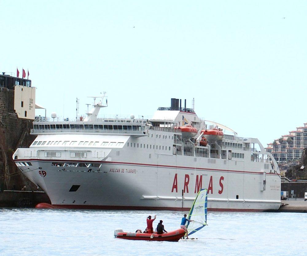 4.ª operação ferry em curso