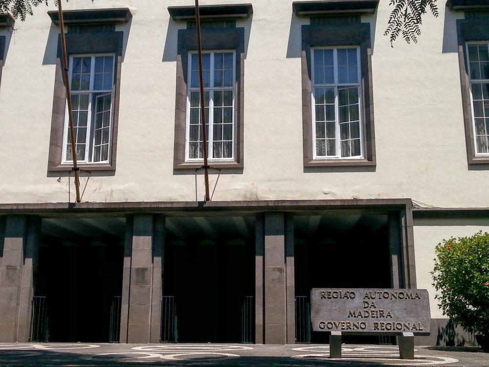 Região vende prédio por ajuste direto a Sérgio Jesus