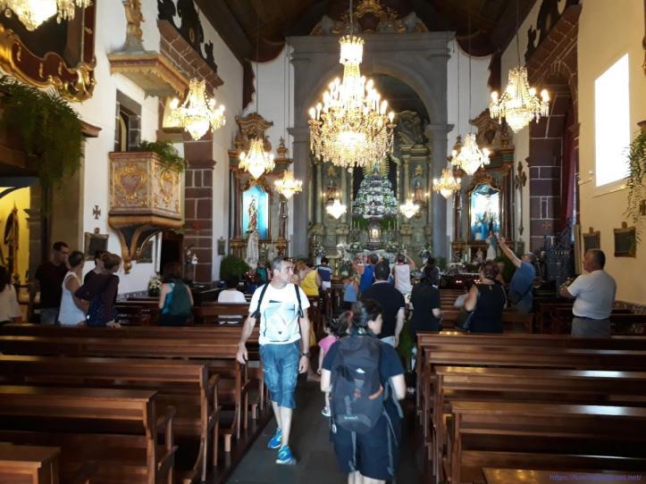 Monte Igreja dentro