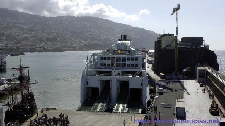 """""""Causa Ferry"""" espera competência do Governo Regional e distância dos interesses comerciais da operação"""