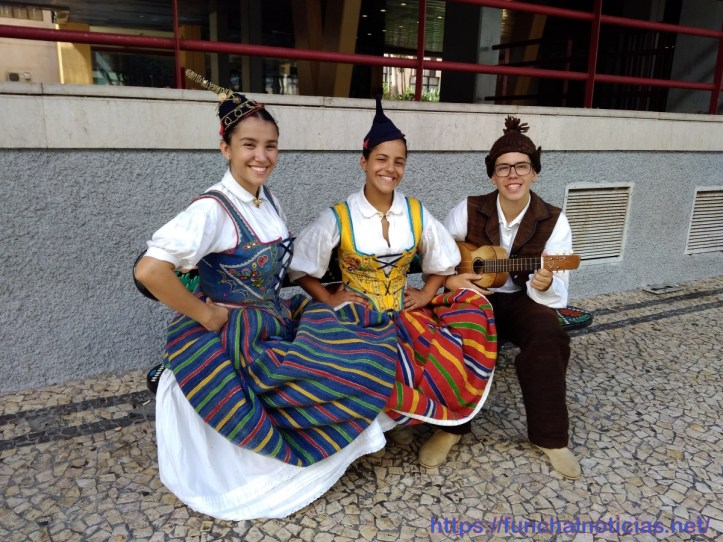 grupo folclore zzz