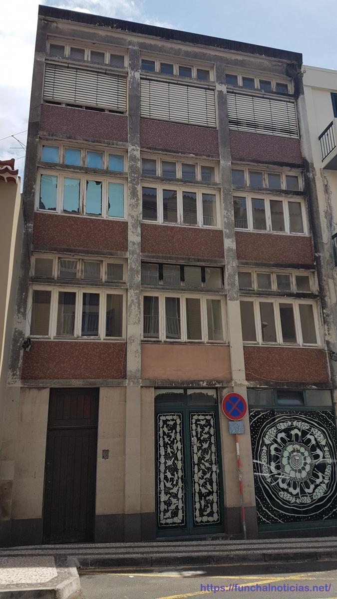 Este prédio foi hoje vendido pelo Governo Regional por 257.550€