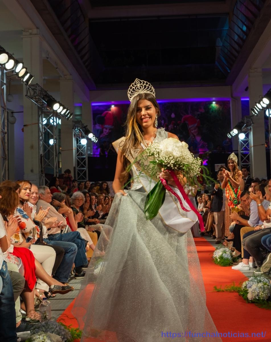 """Andrea Ramirez representa a RAM na gala """"Miss Queen Portugal"""""""