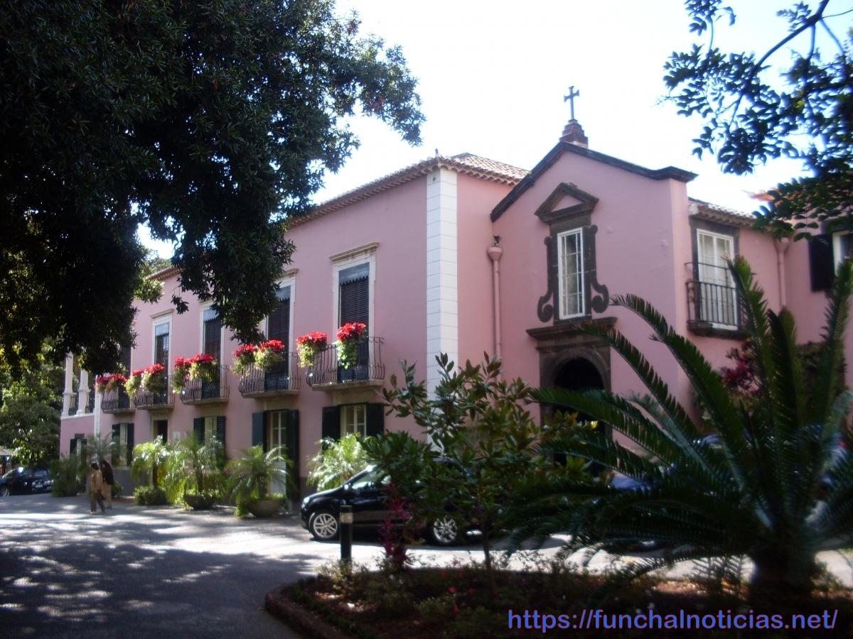 Governo Regional aprova recuperação integral do tempo de serviço dos professores da Madeira - 9 anos, 4 meses e 2 dias
