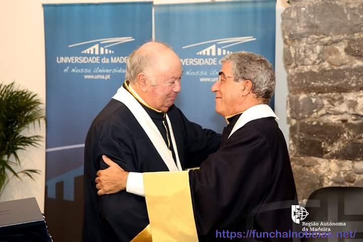 honoris causa B
