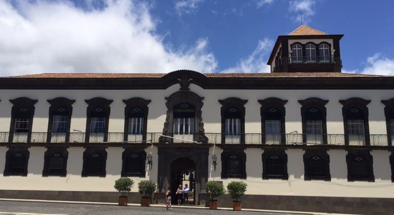 Colaboradores da Câmara do Funchal integrados nos quadros efetivos