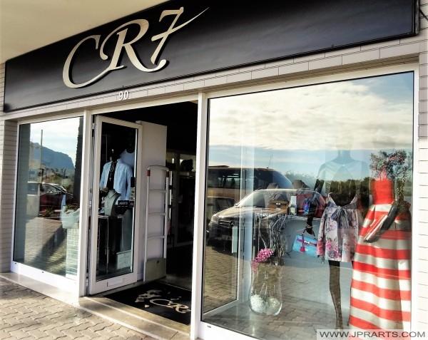 Loja CR 7 na Ajuda passa para o centro comercial Marina Shopping