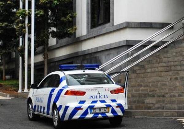 POLICIA A