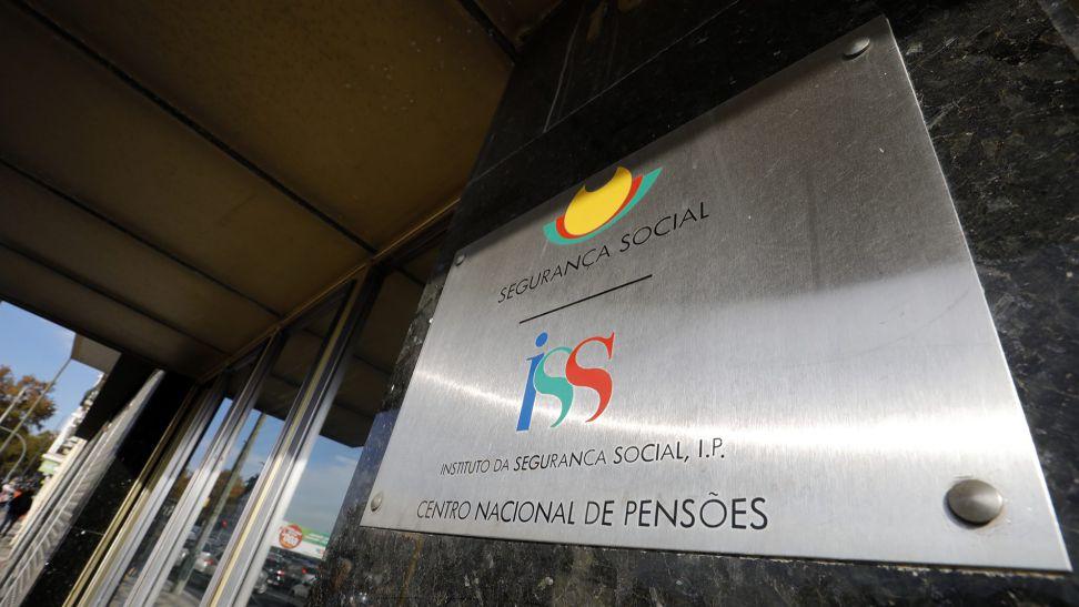 Subsídio máximo de desemprego passa para 1089 euros, pensões aumentam em janeiro, pensionistas com subsídio de Natal por inteiro