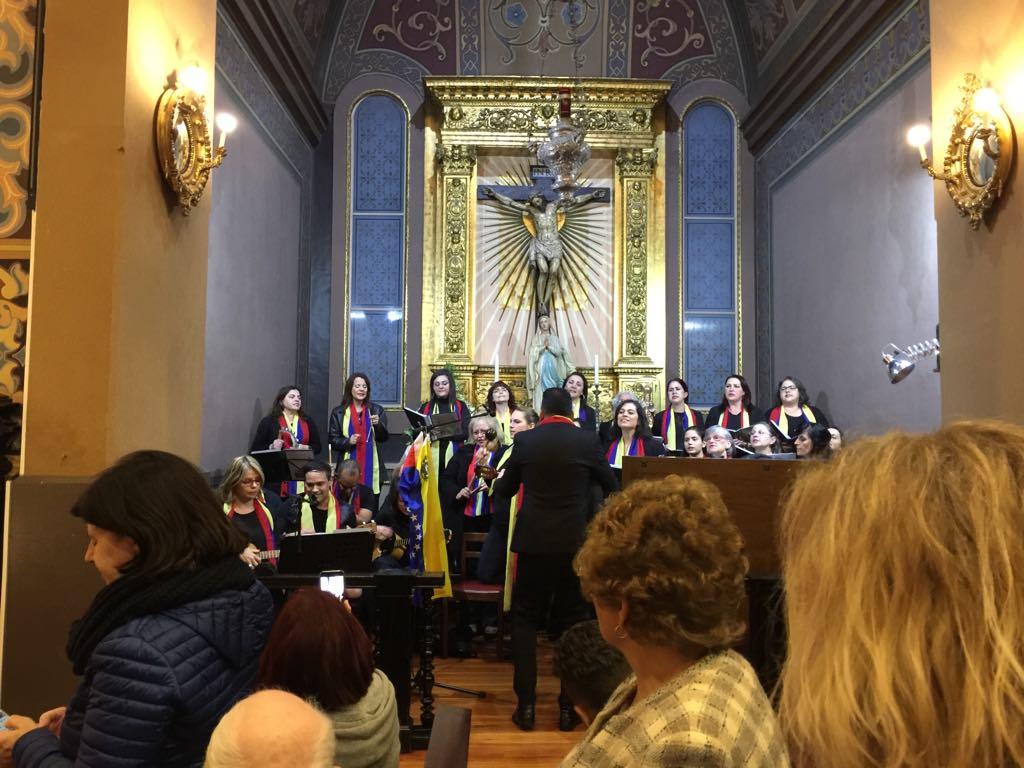 """Cantares venezuelanos no Natal madeirense: Missa com o grupo """"Tradiciones"""" na Igreja de São Martinho"""