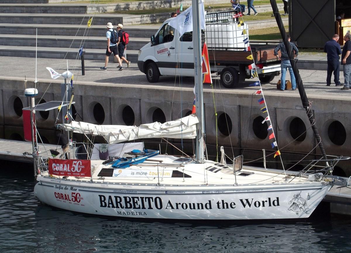 Velejador solitário sai da Madeira para a volta ao mundo