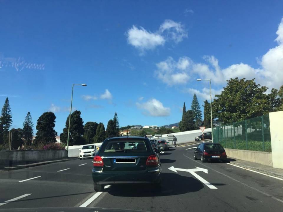 Semáforos precisam-se em São Martinho